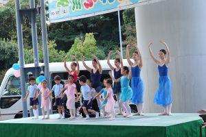 文化の醸成、秋のフェスタは地域のダンスチーム多数が参加