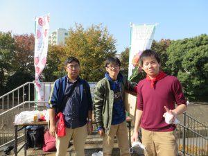 水曜日と土曜日にガーデン作りをしてくれた都市大学学生は、今日も実行委員で活躍