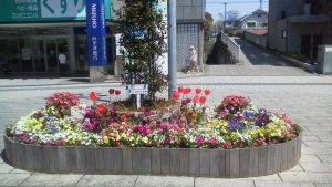 ステージ広場のシンボル花壇